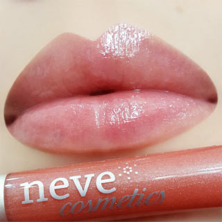 Neve Cosmetics Water Lilies Sjaj za usne